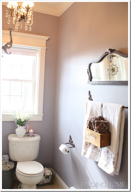 Photo shoot - guest bath, guest bed, dining, living and hall 037