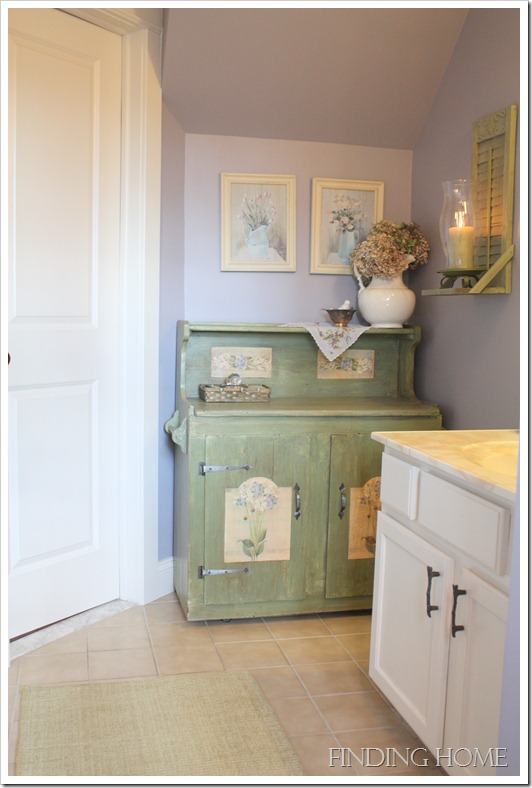 Photo shoot - guest bath, guest bed, dining, living and hall 060