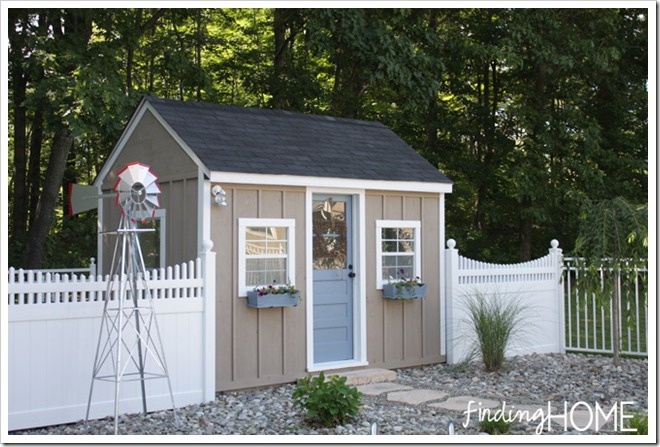 outdoor-playhouse-poolhouse