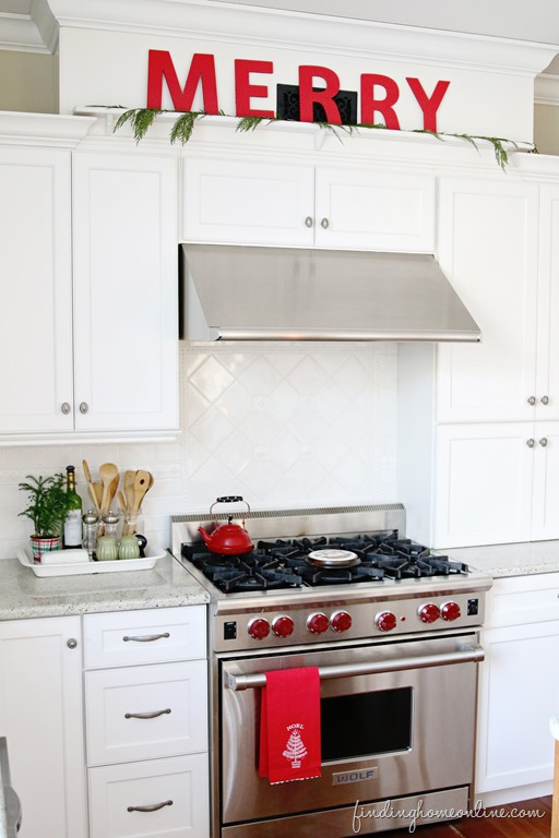 Decorating-Your-Kitchen-for-Christmas-FH