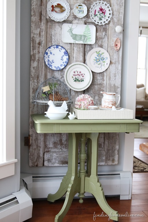 Green-Chalky-Painted-Table