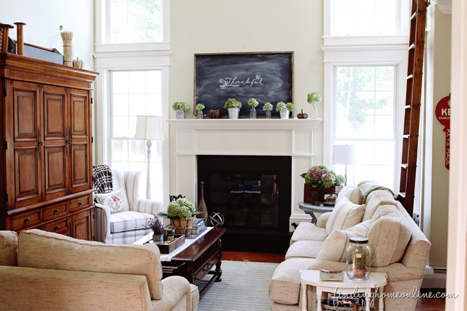 Fall-Family-room-Decorating